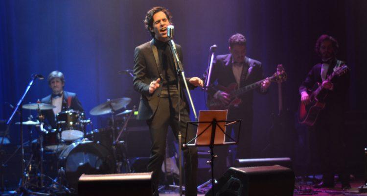 Thiago Pethit canta as trilhas sonoras de David Lynch