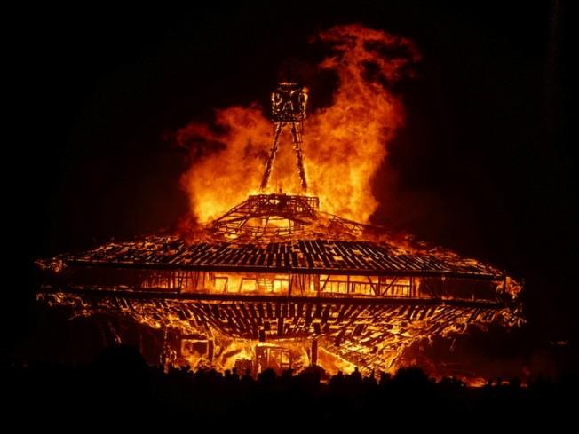 burningman03-652x489