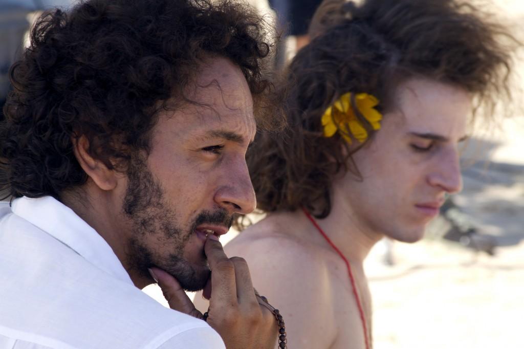 TATUAGEM _ Clécio (Irandhir Santos) e Paulete (Rodrigo García) _ cred Flávio Gusmão